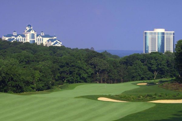 Foxwood's Lake of Isles Golf Package